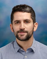 Santiago Perez wins award for Best Article Published by a Young Researcher